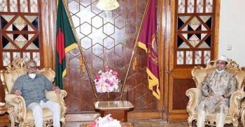 রাষ্ট্রপতির সঙ্গে মন্ত্রিপরিষদ সচিব, তিন বাহিনী প্রধান ও আইজিপির সাক্ষাৎ