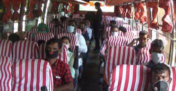 ঝিনাইদহ ও কালীগঞ্জে স্বাস্থ্যবিধি মেনেই চলছে গণপরিবহণ