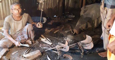 হবিগঞ্জের সর্বত্র কর্মকারদের ব্যবসা মন্ধা, নেই টং টং শব্দ