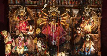 হিন্দু সম্প্রদায়ের সবচেয়ে বড় ধর্মীয় উৎসব শারদীয় দুর্গাপূজা এবার যে সিদ্ধান্ত