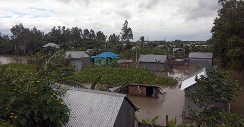 মুন্সীগঞ্জ জেলায় বন্যার পানি কমছে কিন্তু বাড়ছে দুর্ভোগ